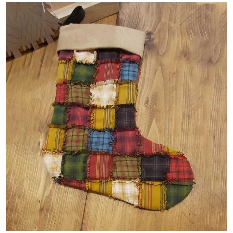 Kit completo di cartamodello e tessuti per realizzare la calza natalizia rag stocking.